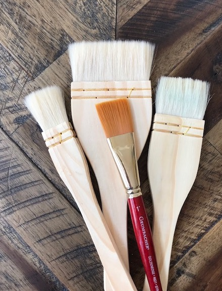 Large flat brushes